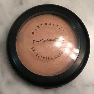 Mac mineralize skin finish natural